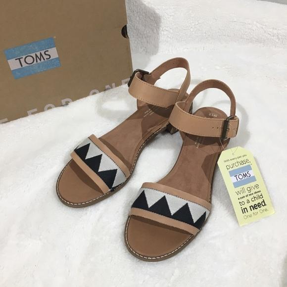 a18cb063b2d Toms Camilia leather ankle strap Sandals - 10